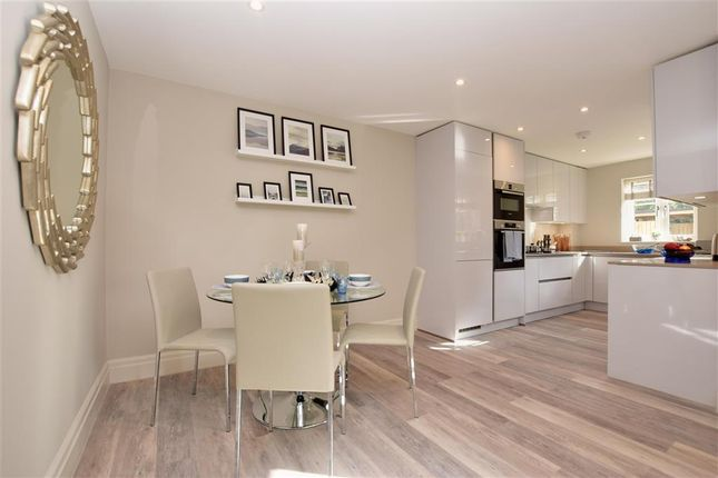 Flat for sale in Russell Green Close, Purley, Surrey