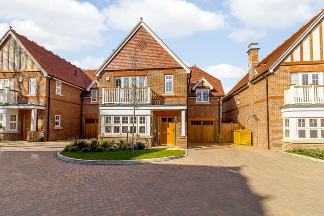Thumbnail Detached house for sale in Chatt Court, Welwyn