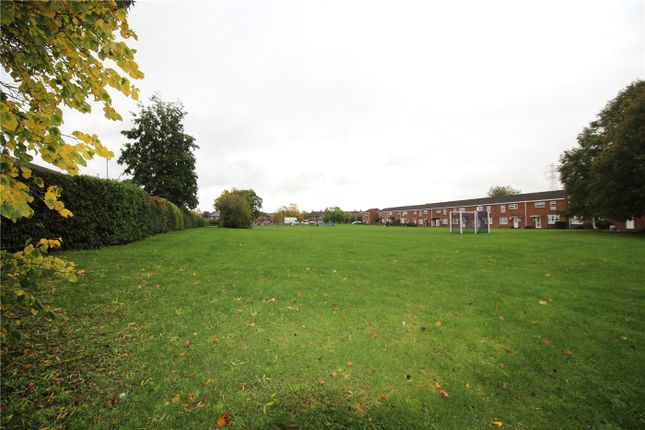 Picture No. 10 of Stanley Gardens, Borehamwood WD6