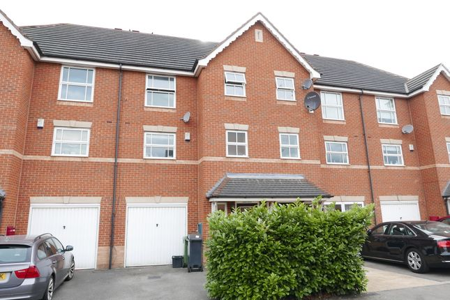 Room to rent in Landalewood Road, York YO30