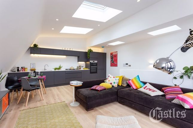 Thumbnail Detached house for sale in Dashwood Road, London