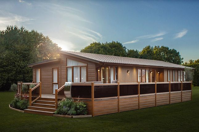 Thumbnail Lodge for sale in Great Hadham Road, Much Hadham, Bishops Stortford, Hertfordshire