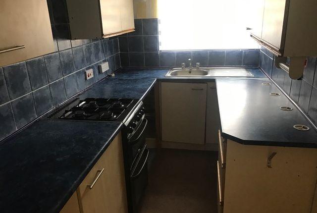 Thumbnail Flat to rent in Fallowfield, Perton, Wolverhampton