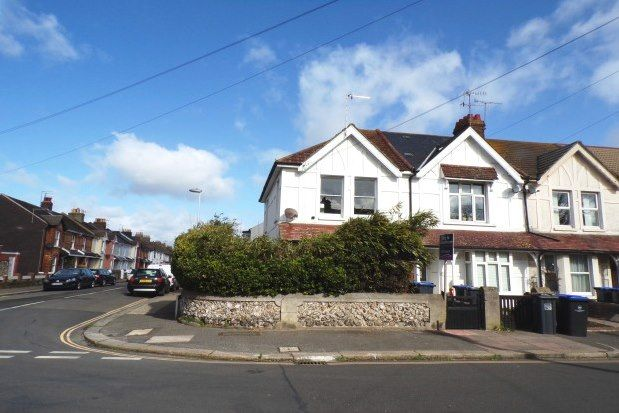Thumbnail Flat to rent in Northcourt Road, Worthing