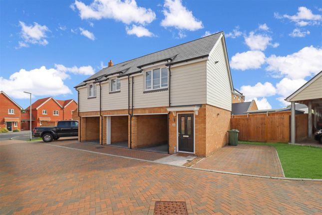 2 bed detached house for sale in Radley Crescent, Laindon SS15