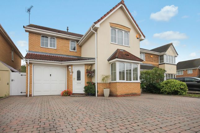 4 bed detached house for sale in Frerichs Close, Wickford SS12