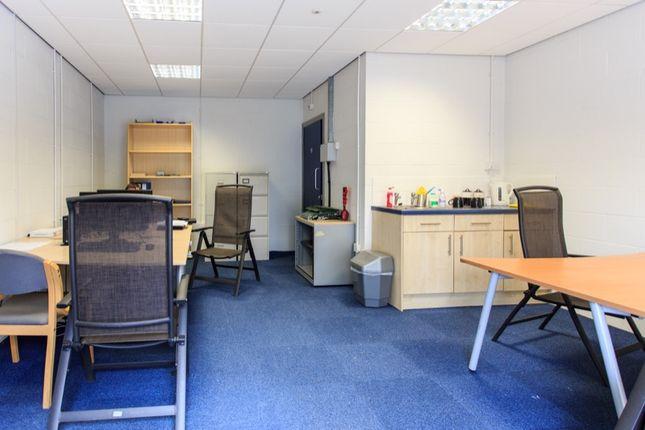 Thumbnail Office to let in Brunel Industrial Estate, Jessop Close, Newark