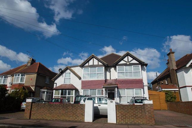 Thumbnail Flat to rent in Rosebery Avenue, Eastbourne