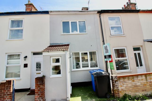 3 bed terraced house to rent in Cambridge Road, Lowestoft NR32