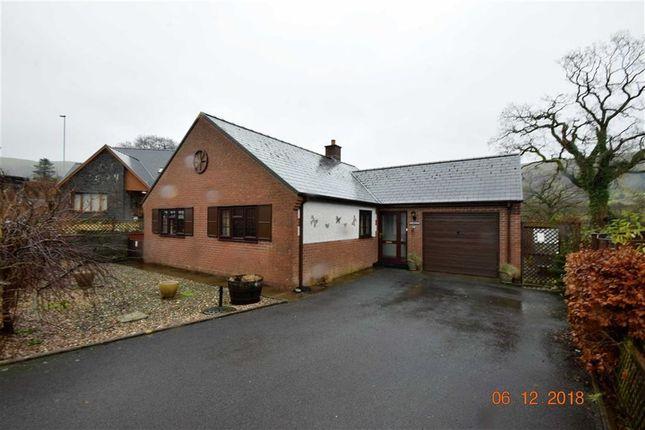 Thumbnail Bungalow to rent in 4, Maes Y Dderwen, Llanbrynmair, Powys