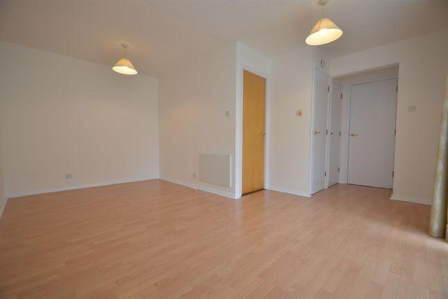 Studio Room of Ryeland Close, Yiewsley, West Drayton UB7