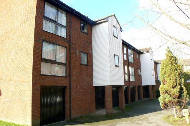 Thumbnail Flat to rent in Laleham Road, Shepperton