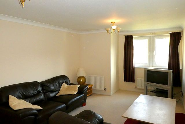 Thumbnail 2 bed flat to rent in Lower Valleyfield View, Penicuik