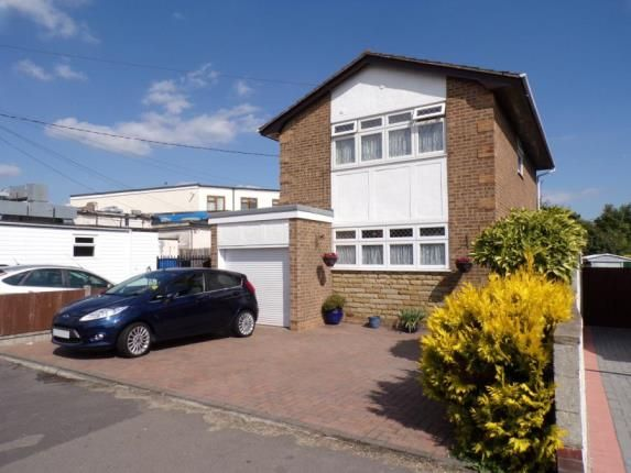 Thumbnail Detached house for sale in Seaview Road, Canvey Island