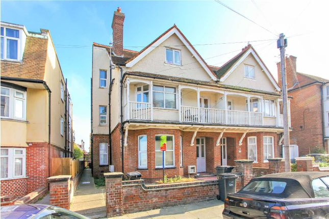 2 bed flat to rent in Surrey Road, Cliftonville, Margate CT9