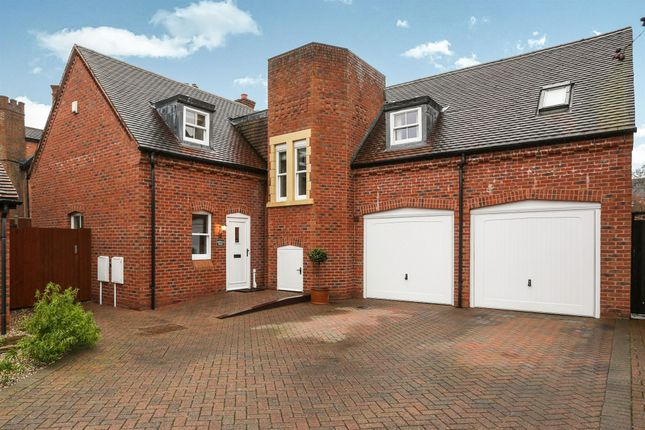 Thumbnail Detached house for sale in Malthouse Meadow, Solihull