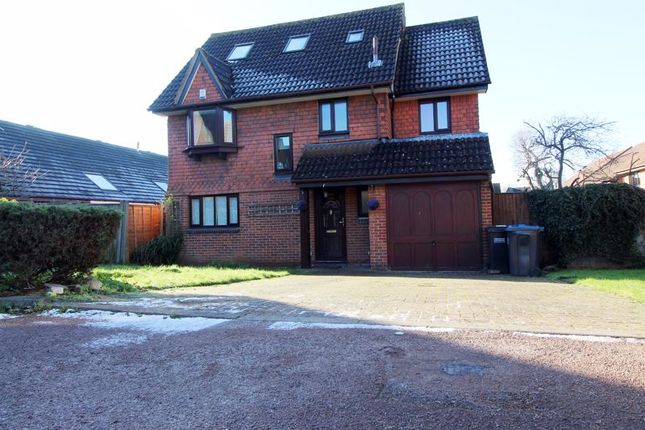 Thumbnail Detached house to rent in Cottongrass Close, Croydon