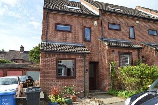 Thumbnail Town house to rent in Florence Road, Norwich