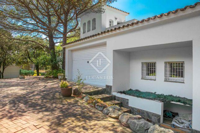 Villa for sale in Spain, Barcelona North Coast (Maresme), Vallromanes, Mrs7237