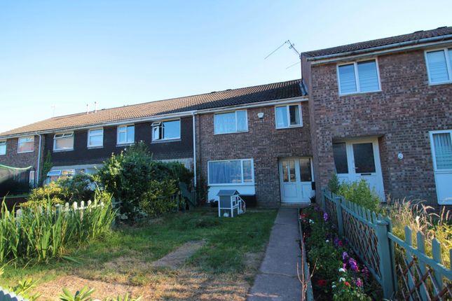 Thumbnail Terraced house for sale in Llwyn Castan, Pentywn