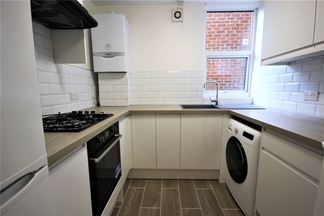 Thumbnail Flat to rent in Warwick Road, Bounds Green, London
