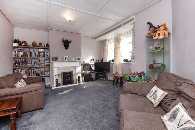 Thumbnail Flat for sale in Lavender Close, Carshalton