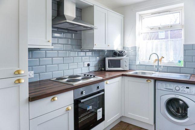 Kitchen of Newland Avenue, Hull HU5