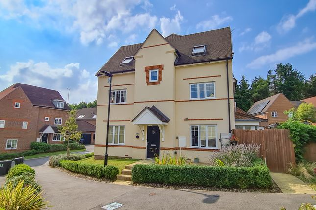Thumbnail Semi-detached house for sale in Greenhurst Drive, East Grinstead