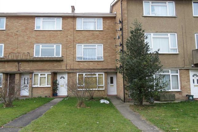 Thumbnail Maisonette for sale in Torquay Road, Springfield, Chelmsford