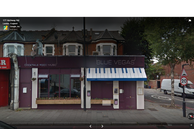 Thumbnail Pub/bar for sale in Archway Rd, Highgate