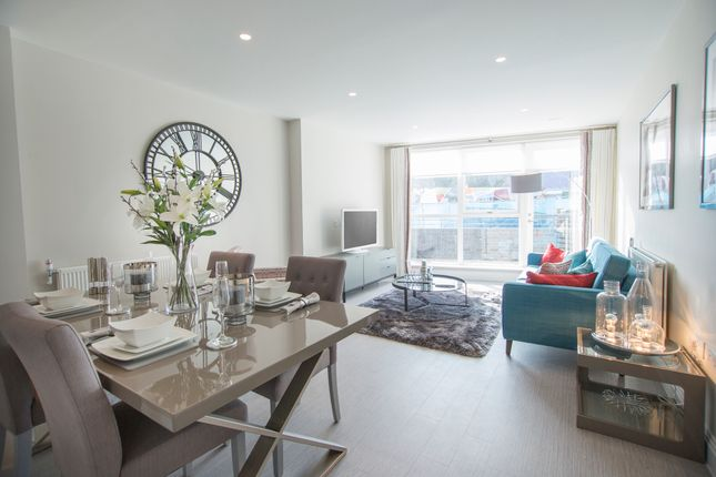Thumbnail Flat for sale in Francis Court, London