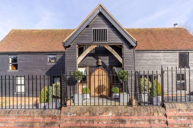 Thumbnail Barn conversion for sale in Fluxs Lane, Epping