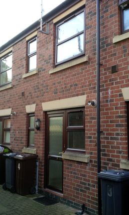 2 bed town house to rent in Princess Mews, Lincoln