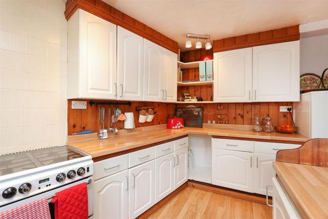 Kitchen2 of Owl Cottage, Starkholmes Road, Starkholmes, Matlock DE4