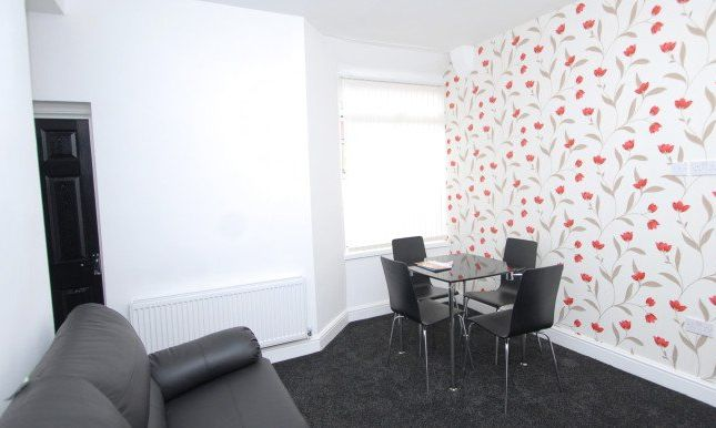 Thumbnail Shared accommodation to rent in Milnthorpe Street, Salford