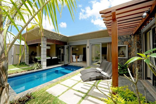 Grand Baie - Built Villa With Own Swimming Pool
