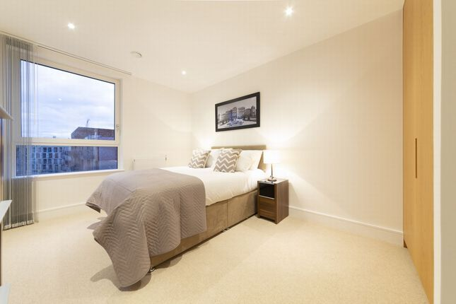 Thumbnail Flat for sale in Marine Wharf East, Harbourside Court, Surrey Quays