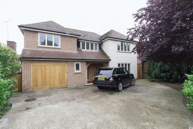 Thumbnail Detached house to rent in The Beacons, Loughton