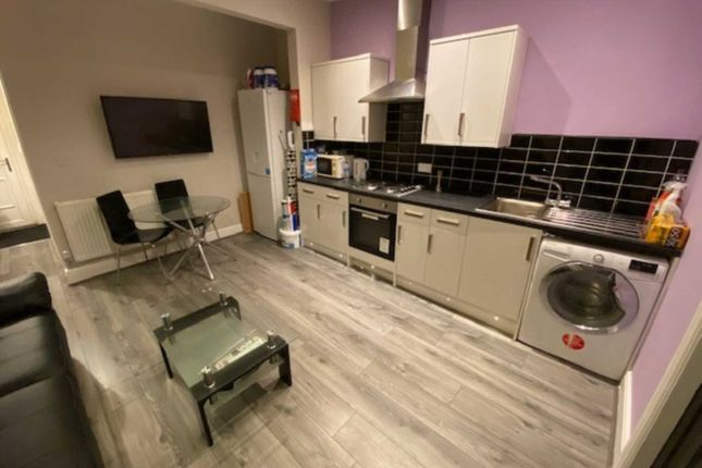 Thumbnail Shared accommodation to rent in Fram Street, Manchester