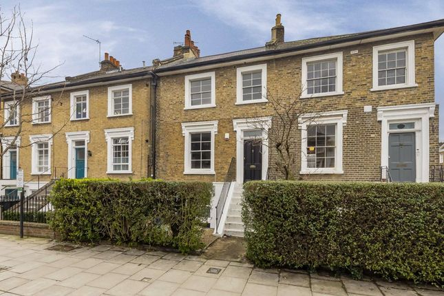 Thumbnail Flat to rent in Southgate Road, London
