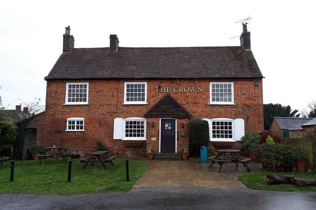 Thumbnail Pub/bar to let in The Green, Great Horwood, Milton Keynes