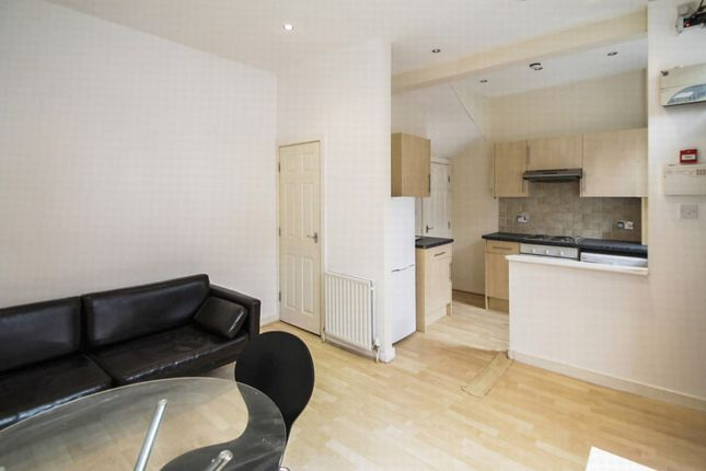 Thumbnail Terraced house to rent in All Bills Included, Autumn Place, Hyde Park