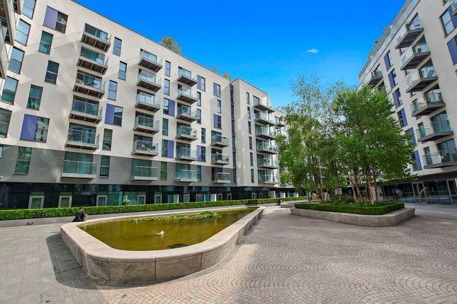 Thumbnail Flat for sale in Waterhouse Apartments, 3 Saffron Central Square, Croydon