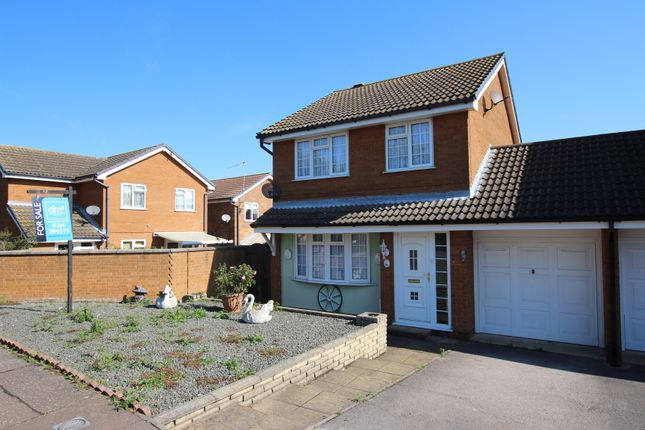 Thumbnail Link-detached house for sale in Gainsborough Drive, Lawford, Manningtree