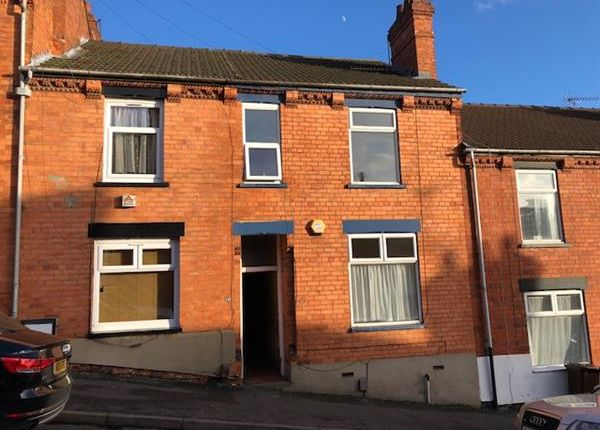 3 bed terraced house to rent in Bernard Street, Lincoln