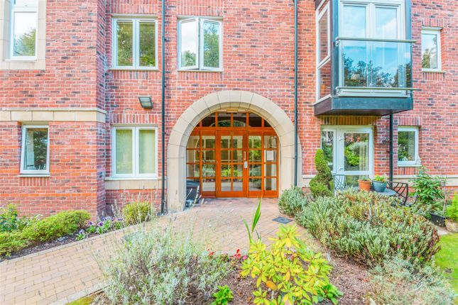 Thumbnail Flat for sale in Oakfield, Sale