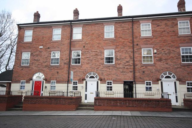 Town house to rent in Manthorpe Avenue, Worsley, Manchester