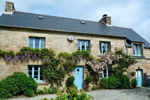 3 bed farmhouse for sale in Berrien, Bretagne, 29690, France