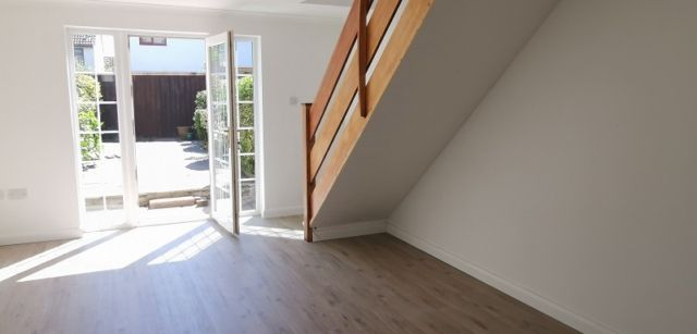 2 bed property to rent in Lynton Court, Newton, Swansea SA3