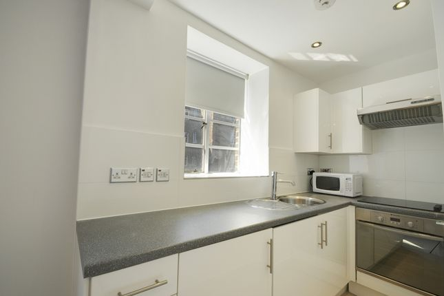 1 bed flat to rent in Kings Court, Hammersmith
